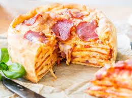 leckerer hochstapler so backst du saftigen pizza cake