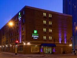 Machine Shed Woodbury Mn Menu by Holiday Inn Express U0026 Suites Minneapolis Dwtn Conv Ctr Hotel By Ihg