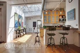 100 Lofts In Manhattan Ny Soho Loft Has Plenty Of Work Space Plus All The Comforts Of