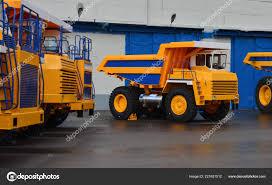 100 Huge Trucks Yellow Quarry Dump Large Wheels Exhibition Automotive