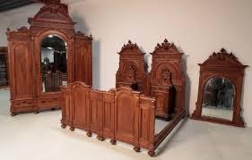 schönes gründerzeit schlafzimmer mit kronen gründerzeit