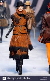 hermes paris ready to wear autumn winter black top hat brown