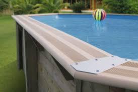 margelle piscine en bois piscine en bois la maison bois par maisons bois