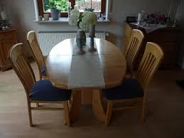 hochwertiger esszimmertisch mit 4 stühlen in erle massiv