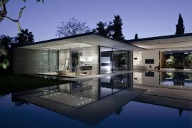 100 Glass Walled Houses Tranquil House With Innovative Furnishings