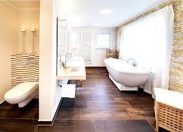 freistehende badewanne kleines bad badgestaltung moderne