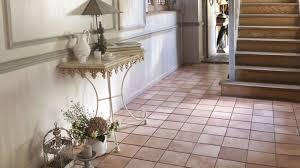 produit nettoyage sol carrelage 4 astuces de grand mère pour nettoyer le carrelage