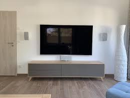 mein erstes heimkinosystem dezent im wohnzimmer integriert