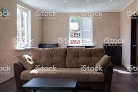 sofa im wohnzimmer eines country house stockfoto und mehr bilder 2015