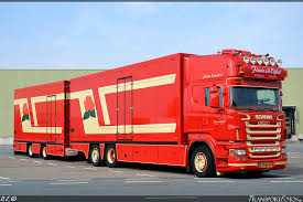 Where Trucks Come To Buy Flowers And Sell Them In France Italic Etc Those Truck Are Furnished Like Driving Shops Aalsmeer Is Just Transport Of