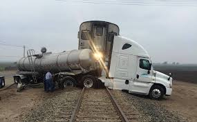 100 Semi Truck Pictures Train Strikes Semi Truck On Tracks Just South Of SLO County San