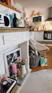 small monday insight wohnzimmer wimmelbild