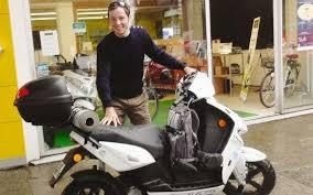 vianney bureau tour de en scooter électrique une é à jurançon la