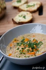 cuisine roborative soupe roborative aux poireaux et carottes croûtons au cantal