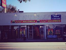 Halloween Town Burbank Hours by Ten Halloween Shops To Get Your Costume Sitch Sorted At Spirit