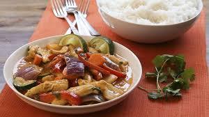 cuisine thailandaise recettes curry de poulet à la thaïlandaise recettes allrecipes québec