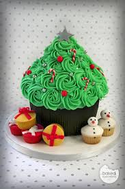 Giant Cupcake Christmas Tree I Am Certain Could Bake The Cake However Would Most Likely Fail Miserably At Decor