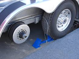 Centramatic Wheel Balancers, Centramatic Continuous Automatic Truck ... How To Shift Automatic Transmission In Semi Truck Peterbilt Trucking Commercial Search Tlg Selfdriving Trucks Are Going To Hit Us Like A Humandriven Tesla Truck Stands Shake Up Trucking Industry Roadshow Watch This Semitruck Driver Stop Short And Save Childs Life Jordan Sales Used Inc New For Sale Service Volvos Automatic Braking System Semitrucks Modern Big Rig Tractor Transporting Container With Co Lvo Semi Uvanus