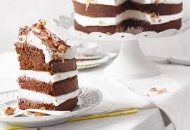 kakao buttermilch torte mit glasierten erdnüssen