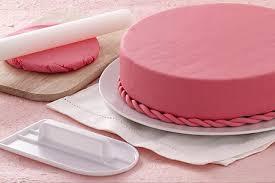 comment couvrir un gâteau avec de la pâte à sucre recette