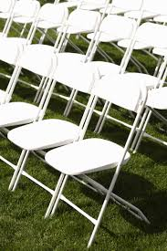 How Much Room When Setting Up Folding Chairs? | EHow