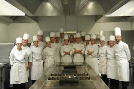 emploi chef de cuisine bordeaux ecole de cuisine bordeaux another downtown option for overnight