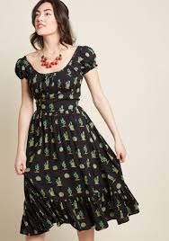 Collectif Come Out And Sway Midi Dress In Cactus