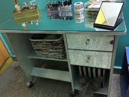 Diy Vanity Table With Lights by Diy Dressing Table How To Shabby Chic A Dressing Table Pallet