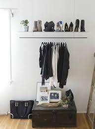 porte vêtement penderie et armoire grillagée les rangements