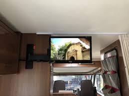 tv halterung über dem bett vom lmc explorer comfort