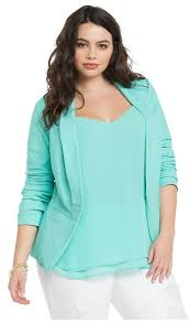3 Beautiful Plus Size Pastel Blazers To Wear This Spring 1