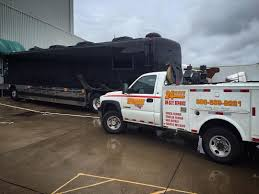 Interstate Fleet Services - Truck Repair