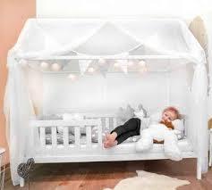 alcube kinderbett hausbett 80x160 i 90x200 set jugendbett mit matratze und dekoration komplett set für jungen und mädchen geeignet für vorhänge