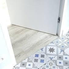 dalle pvc pour cuisine dalle pvc clipsable lino revetement sol cuisine exterieur pas cher
