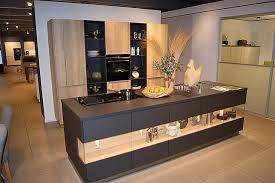 zeyko musterküche moderne küche mit longbord in anthrazit
