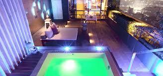 chambre avec jaccuzi privatif sexyhotelsparis à l intérieur chambre d hotel