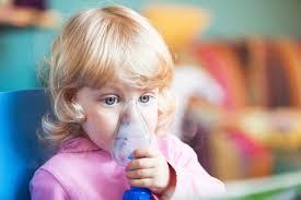 chambre inhalation ventoline mon enfant doit prendre un médicament par inhalation planete sante
