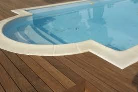 margelle piscine en bois terrasses bois exotique envie bois