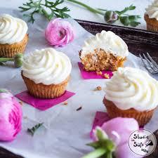 rüblikuchen cupcakes mit frischkäsefrosting eine studie in süß