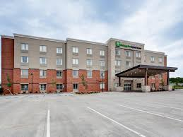 Beds For Less Manhattan Ks by Holiday Inn Express U0026 Suites Manhattan Hotel By Ihg