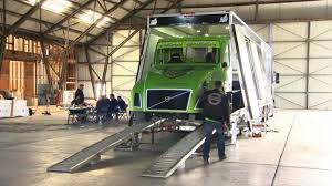 Volvo Trucks - Mean Green Hybrid Truck World Speed Record - YouTube Joint Venture Worlds Faest Modified Diesel Truck Youtube Volkswagen Print Advert By Grabarz Partner Dead Angle 1 Volvo Guns For World Speed Record In 2400 Hp Because It Can Monster Truck Visits Shriners Hospital Hospitals For Raminator Sets At Cota Shockwave Jet Wikipedia Trucks Trailer Aiming The World Speed Record Rd Motsports Land In A Trophy Broken The 10 Pickup To Grace Roads
