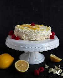 low carb keto zitronenkuchen mit weißer schokolade