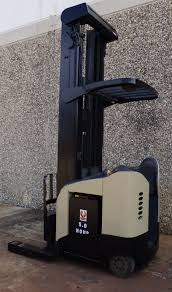 FL1180 - Crown RR5225-45 Reach Truck [FL1180] - $24,000 : Warehouselift Various Of Crown Bt Raymond Reach Truck From 5000 Youtube Asho Designs Full Cabin For C5 Gas Forklift With Unrivalled Ergonomics And Ces 20459 20wrtt Walkie Coronado Equipment Sales Narrowaisle Rr 5200 Series User Manual 2006 Rd 5225 30 Counterbalanced Forklifts On Site Forklift Cerfication As Well Of Minnesota Inc What Its Like To Operate A Industrial All Star Refurbished Electric Double Deep Hire 35rrtt 24v Stacker 3500 Lbs 210