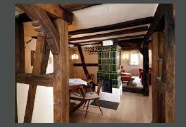 fachwerkhaus mit kachelofen klassisch wohnzimmer