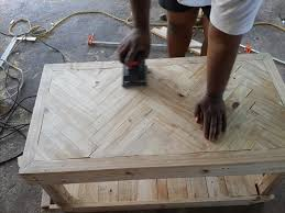 Diy Reclaimed Wood Table Top by Best 25 Chevron Coffee Tables Ideas On Pinterest Pallet Table