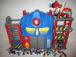 100 Rescue Bots Fire Truck Transformers Optimus Prime House Station W