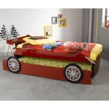 chambre voiture garcon un lit voiture original pour une chambre de garçon une idée déco