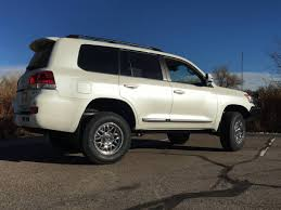 2016 Toyota Land Cruiser OME Suspenion 33