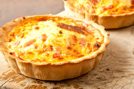 mini quiche pate feuilletee mini quiches oignons lardons http www cuisineaz recettes