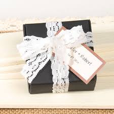 White And Black Paper Lace Wedding Favor Box EWFB076 As Low 093